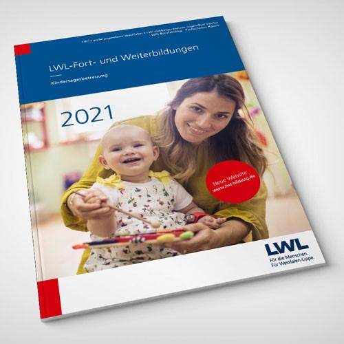 Umschlag des Programmheftes LWL-Fort- und Weiterbildungen Kindertagesbetreuung 2021